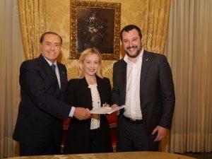 """Berlusconi: """"Governo PD – M5s sarebbe un tradimento della vo"""