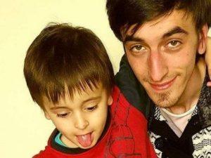 Uccise il figlio di 5 anni strangolandolo: condannato a 12 a