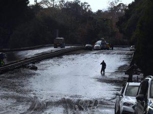 California, dopo il fuoco a uccidere è il fango: almeno 13 morti