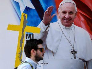 Cile, attacchi contro chiese cattoliche e manifestazioni alla vigilia della visita del Papa