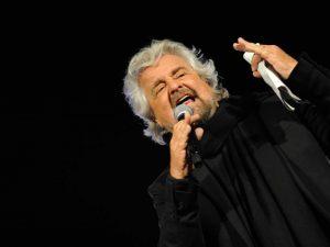 """M5S, nuova causa per Grillo in tribunale. Comitato di attivisti: """"C'è conflitto d'interesse"""""""