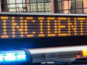 Venezia, auto invade corsia opposta e si schianta contro un bus: due morti