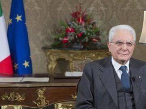 """Il Presidente Mattarella nel discorso di fine anno: """"Il lavoro sia la priorità per i partiti"""""""