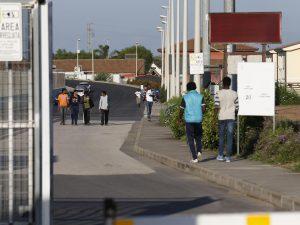 """Migranti, Salvini annuncia tagli al Cara di Mineo: """"Meno osp"""