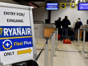 Nuove tariffe per i bagagli Ryanair, la compagnia aerea nel