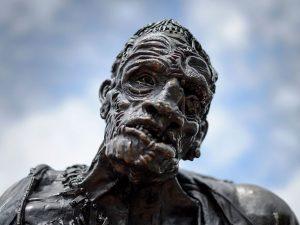 Frankenstein compie 200 anni: tra letteratura e cinema il vero supereroe è lui