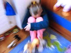Prato: violenze sessuali sulla figlia, che tentò il suicidio