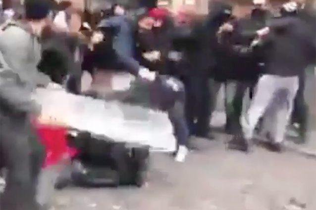 Un frame dell'aggressione a Piacenza contro il carabiniere.