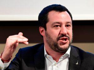 Migranti, i dati falsi di Salvini sullaccoglienza: lItalia spende molto meno di 5 mld lanno