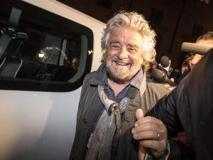 """La proposta provocazione di Beppe Grillo: """"Togliamo il dirit"""