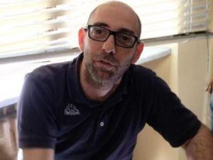 Rapina da 3 euro ai profughi, Reporter torinese detenuto ing