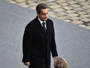 Francia, fermato l'ex presidente Nicolas Sarkozy: finanziame