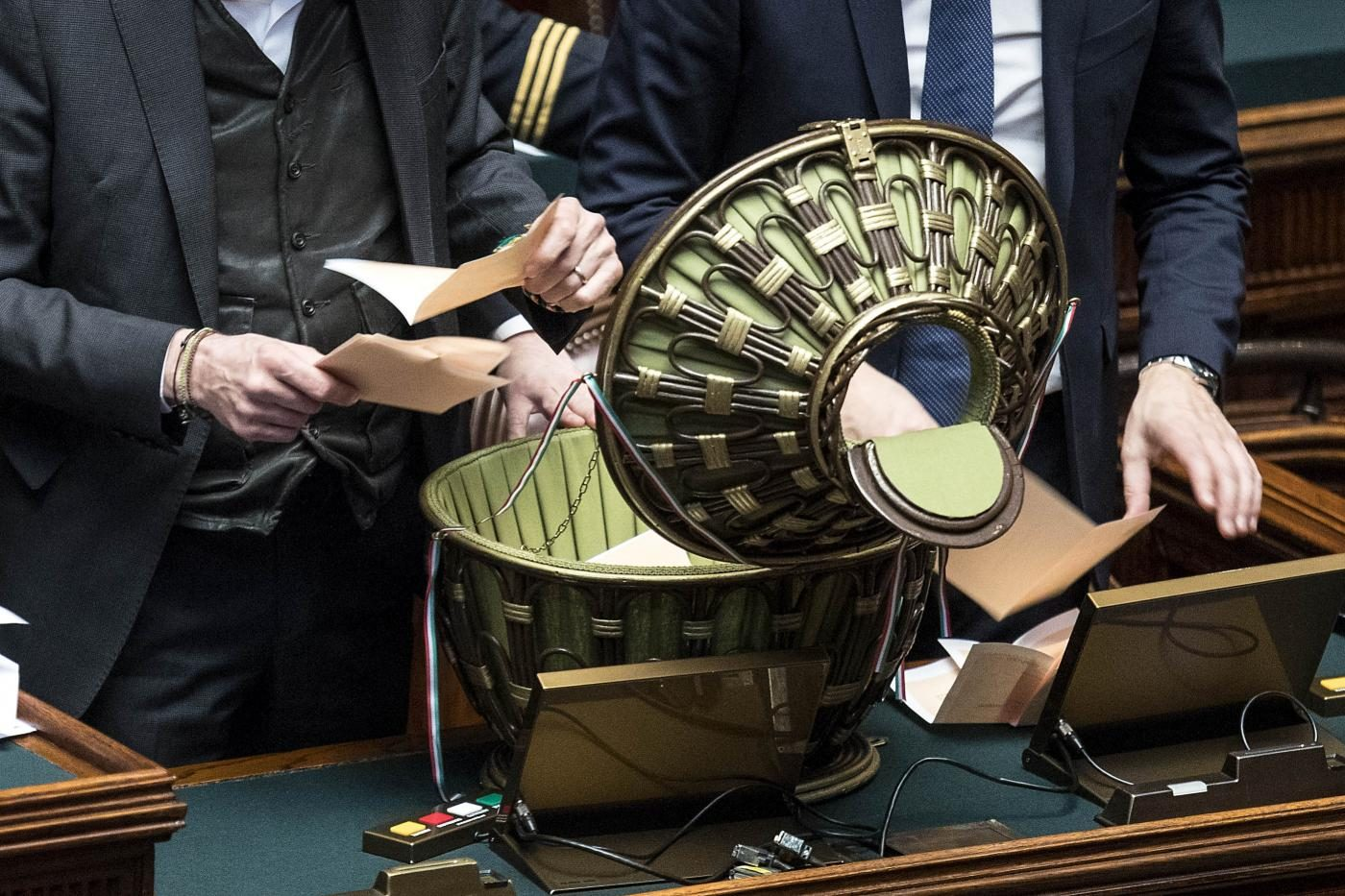 Elezioni dei presidenti della camera non c 39 l 39 accordo for Votazioni in parlamento
