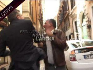 L'ex ministro Landolfi aggredisce un giornalista: schiaffo i