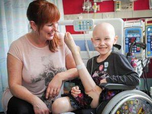 Il cancro non ha spento i suoi sogni, gamba riattaccata al contrario per tornare a ballare