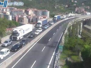 Vicenza, scontro tra tir: due feriti e 14 Km di coda