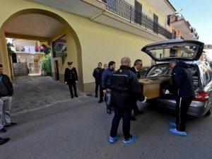 Dramma della solitudine a Bari |  non risponde ai parenti da un mese |  trovata morta in casa