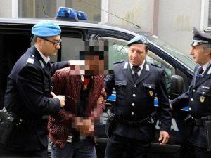 """Omicidio Pamela, le intercettazioni in carcere: """"Oseghale avrebbe dovuto farla a pezzi e congelarla"""""""