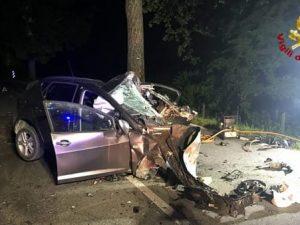 Bologna, perde il controllo dell'auto e muore a 22 anni. Vet