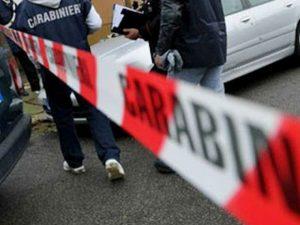 Ancona, anziana trovata morta in casa con ferite alla gola.