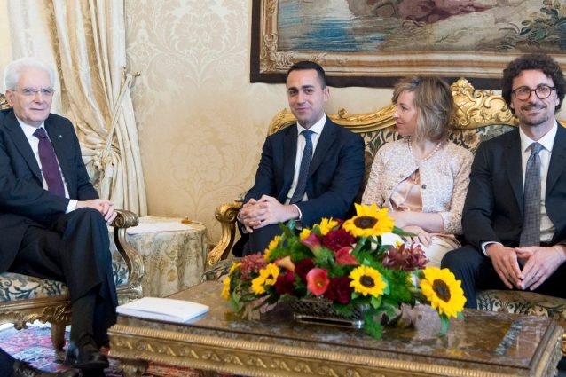 Governo M5s-Lega, Berlusconi dà il via libera: ma non voteremo la fiducia