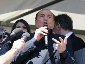 """Silvio Berlusconi: """"M5s erede della peggiore sinistra, Casal"""