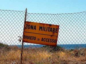 Attentato a caserma dell'esercito in Trentino: 8 mezzi in fi