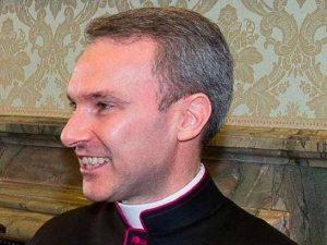 """Pedopornografia, monsignor Capella ammette: """"Ero in crisi""""."""