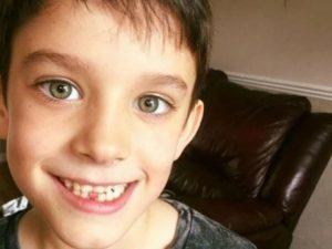 La famiglia lo porta al mare: bimbo di 7 anni viene ucciso d