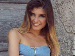 Alice |  morta a 26 anni nella sua casa |  negli ultimi mesi aveva perso il padre e la madre