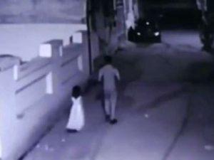 Convince bimba di 6 anni a seguirlo durante le nozze: la vio