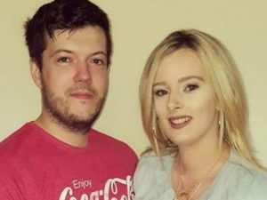 Giovane donna denuncia il marito alla polizia: filmava di na