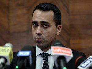 """Di Maio: """"Il lato oscuro dello Stato rema contro di noi, ci"""