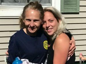 Per 7 anni cerca la sorella mai conosciuta: scopre per caso