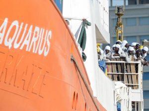 Migranti, accordo tra 6 Paesi Ue per accogliere i 141 profughi di nave Aquarius