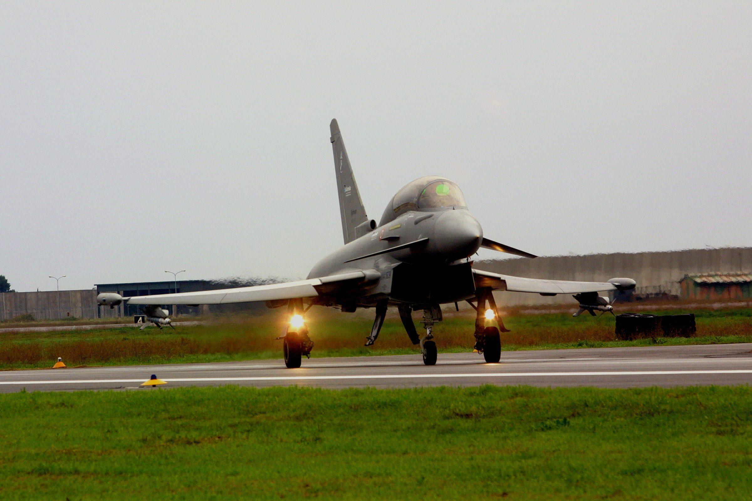 Aereo Da Caccia Oggi : Il report del rusi l eurofighter miglior caccia della sua
