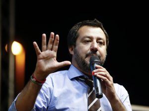 "Migranti, Matteo Salvini: ""Ministro francese ignorante, Life"