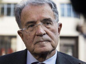 """Crisi di governo, Prodi 'indica' la strada: """"No a scissione"""