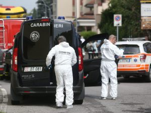 Barletta, 42enne ucciso con una coltellata alla gola: il cor