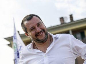 """Matteo Salvini annuncia la pace fiscale: """"Chiudiamo le carte"""