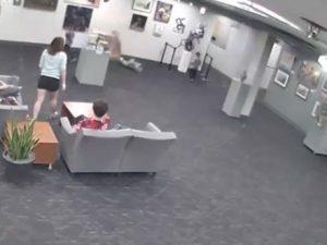 Bambino di 5 anni distrugge un'opera d'arte |  chiesti ai genitori 132mila dollari