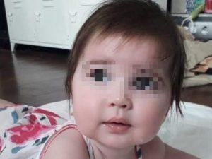 Non sopporta il pianto della piccola Rose di 6 mesi, babysit