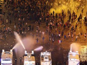 Francia Campione, incidenti rovinano la festa: sgomberati gl