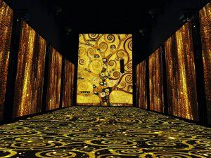 Alberobello, la magia dei quadri di Klimt nei trulli a 100 a