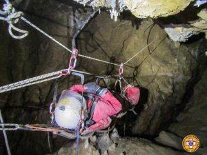 Cuneo, salvo dopo 36 ore lo speleologo rimasto ferito in una