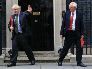 Risultati immagini per Brexit, lasciano i ministri Davis e Boris Johnson