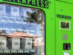 Cannabis legale, a Padova spunta distributore automatico ed