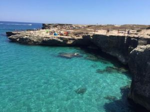 Lecce, ragazzina cade nella Grotta della poesia: è rimasta i