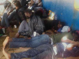 """InfoMigrants denuncia: """"Nave con 40 migranti a bordo bloccat"""