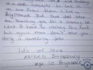 """Bimba di 10 anni scrive ai pompieri: """"Grazie, fate un lavoro fantastico"""". ..."""